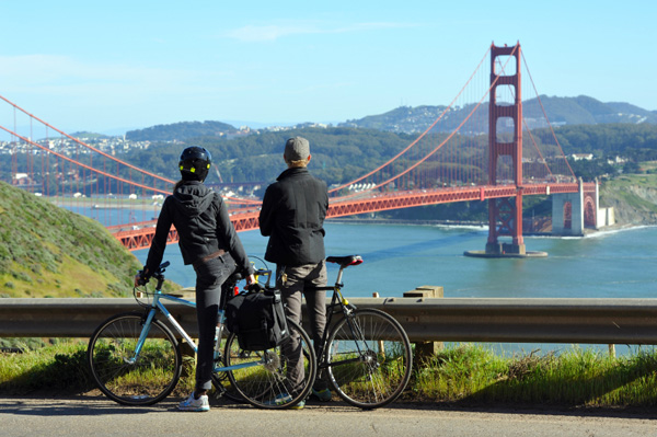 bike-ride-golden-gate-bridge_gxwkz9